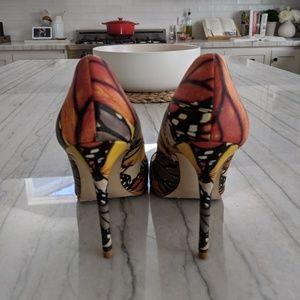 Zara Shoes - Zara Butterfly print pumps